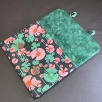 Stofftasche, z.B. für Tablet, mit zwei handgearbeiteten Zwirnknöpfen Bild 2