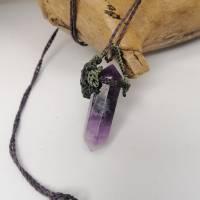 Makramee-Halskette mit Amethyst-Spitze und Labradorit Bild 5