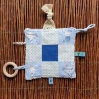 """Baby Knistertuch mit Beißring Schmusetuch Patchwork hellblau ca. 18x18cm """"Häschen"""" Bild 1"""