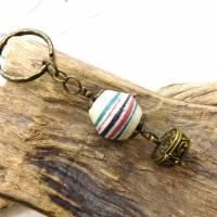Schlüsselanhänger -handgemachte Pulverglasperle + Schatzkästchen - bronze - 9cm Bild 1