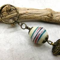 Schlüsselanhänger -handgemachte Pulverglasperle + Schatzkästchen - bronze - 9cm Bild 2
