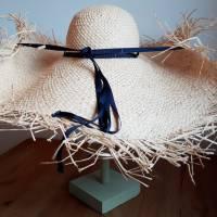 Strohhut breitkrempig mit Fransen und Bindebändern Bild 2