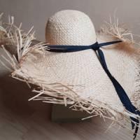 Strohhut breitkrempig mit Fransen und Bindebändern Bild 4