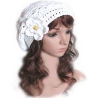Damen Sommer Beanie *Weiße Blume* Gr. L 58 cm Kopfumfang gehäkelt mit Baumwollgarn Bild 1
