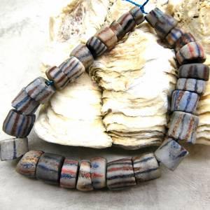 alte vintage Pulverglasperlen mit Streifen aus Ghana - 29 Stück - verschiedene Größen - Handelsperlen - Krobo Bild 1