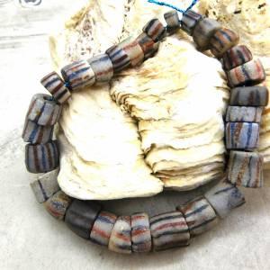 alte vintage Pulverglasperlen mit Streifen aus Ghana - 29 Stück - verschiedene Größen - Handelsperlen - Krobo Bild 4