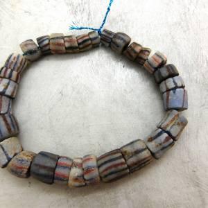 alte vintage Pulverglasperlen mit Streifen aus Ghana - 29 Stück - verschiedene Größen - Handelsperlen - Krobo Bild 5