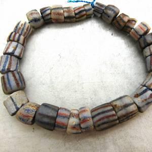 alte vintage Pulverglasperlen mit Streifen aus Ghana - 29 Stück - verschiedene Größen - Handelsperlen - Krobo Bild 6