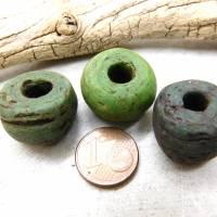 3 alte Hebron-Perlen, Kano Glasperlen, Grün, Grüntöne - große Hebronperlen Bild 1