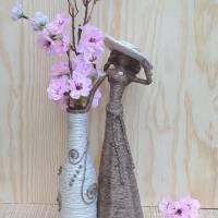 Dekorative Jutefigur mit Flaschenvase, Unikat, Altglas, Upcycling Bild 1