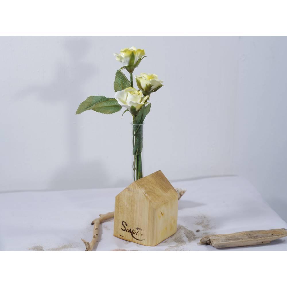 Vase aus Holz, Reagenzglas, DIY, Haus, Altholz, Tischdeko, Wohndeko, Blumenvase, Vase in Hausoptik Bild 1