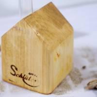 Vase aus Holz, Reagenzglas, DIY, Haus, Altholz, Tischdeko, Wohndeko, Blumenvase, Vase in Hausoptik Bild 5