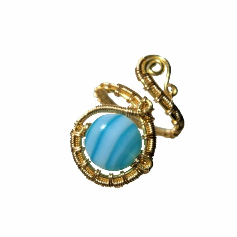 Ring mit Achat blau türkis gestreift handgewebt in goldfarben verstellbar Paisley boho Bild 1