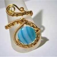 Ring mit Achat blau türkis gestreift handgewebt in goldfarben verstellbar Paisley boho Bild 3