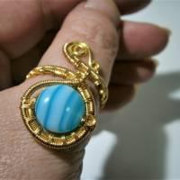 Ring mit Achat blau türkis gestreift handgewebt in goldfarben verstellbar Paisley boho Bild 6