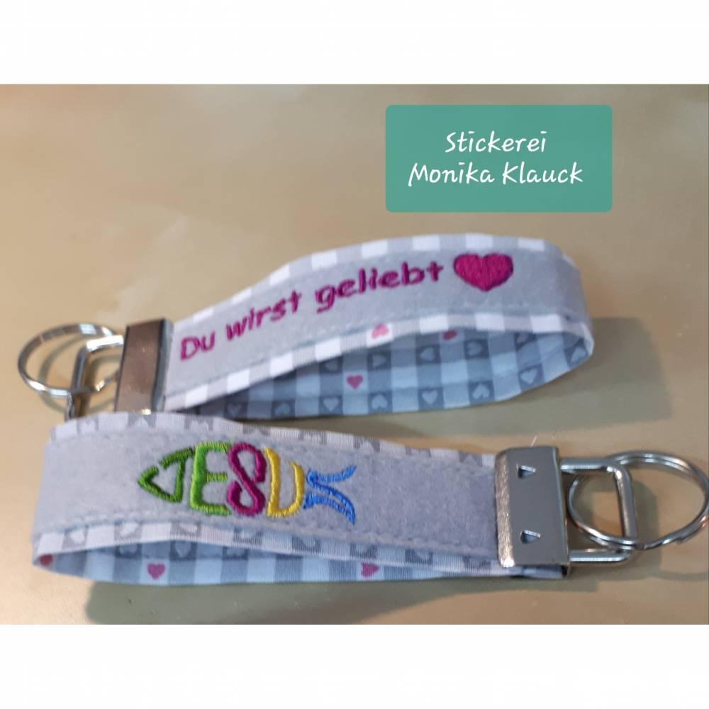Schlüsselband aus Baumwollstoff und Filz mit Stickerei Bild 1