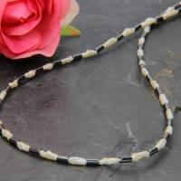 Schwarz-weiße feine weiße Mabé-Perlen-Kette in Kombination mit Hämatit Röhrchen 45 cm Bild 1