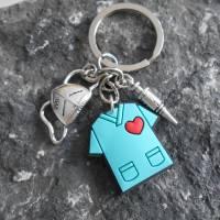 Bleibt GESUND Schlüsselanhänger Pfleger, Pflegerin , Maske, Spritze  Bild 1