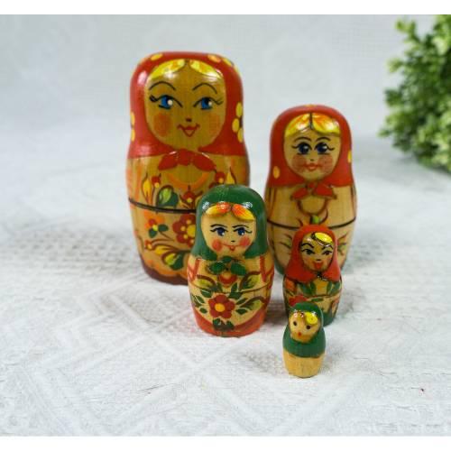 Matroschka, Matruschka, Matrjoschka, Babuschka, 5 teilig, Russische Puppe, alt, Vintage, mit Gebrauchsspuren, Holzpuppen