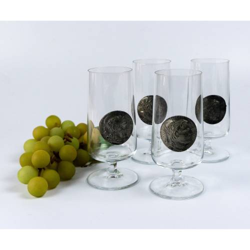 Vier Biergläser Gläser, Trinkglas, Glas mit Medaille aus Zinn, dargestellt ist ein antiker Kopf, Vintage, Mid-Century. R