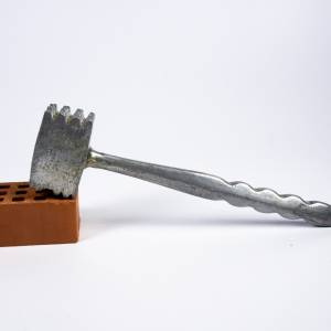 Fleischklopfer für die Küche, klein und aus Metall, Vintage Küchengerät, Retro-Design Bild 1