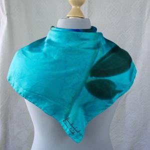 Klassisches Vintage Halstuch, Tuch aus Seide für Damen, Seidentuch, handgemalt, getragen, guter Zustand, 1970 und 1980er Bild 1