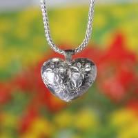 """Halsschmuck """"Herz"""" ziseliert aus 935 Silber Bild 1"""