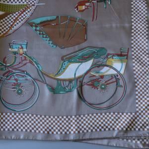 Kopftuch, Klassisches Vintage Halstuch, Tuch aus Polyester für Damen, Damen Kopftuch, getragen, 1980 und 1990er Jahre Bild 1