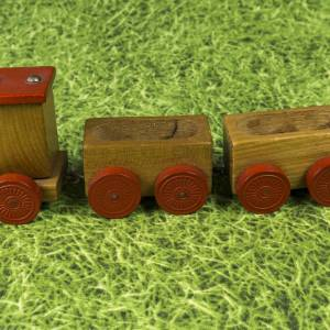 Kleine Eisenbahn, Deko-Teil, Vintage Holzeisenbahn, drei Anhängern, altes Holzspielzeug, zur Dekoration Bild 6