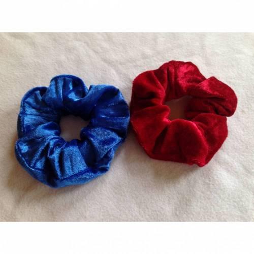 ZWEI  Scrunchies - EIN Preis, Pannesamt,dunkelrot und blau. Andere farbliche Kombination auch möglich. Haarbänder.Haarband.Haargummis.NUR UNIKATE.