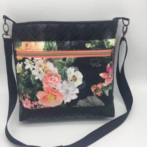 Kunstleder Umhängetasche Tote Bag Shopper Einkaufstasche Blumen Rosen M Geschenkidee zum Muttertag und Geburtstag für Ma Bild 1