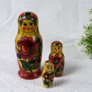 Matroschka, Matruschka, Matrjoschka, Babuschka, 3 teilig, Russische Puppe, alt, Vintage Bild 2