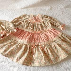 Puppenkleid, handgemacht, von einer alten Puppe, Traum in rosa Bild 1
