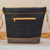 Schöne Tasche aus Kunstleder und Jeans in Grau und Gelb Bild 2