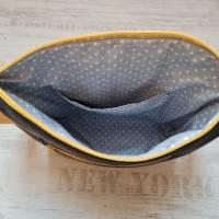 Schöne Tasche aus Kunstleder und Jeans in Grau und Gelb Bild 3