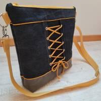 Schöne Tasche aus Kunstleder und Jeans in Grau und Gelb Bild 4