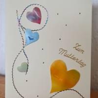 Zauberhafte Karte mit Herzchen zum Muttertag - handgemalt – Design  Ulrike Kröll Bild 1