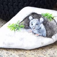Ein kleines Mäuschen, Stein bemalt, Balkon, Garten, Geschenk, Muttertag Bild 1