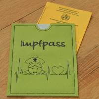 Impfpasshülle Kunstleder mit EKG & Krankenpflegerin  Bild 1