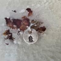 runder Anhänger Charm Buddha aus 999 Silber, patiniert Bild 3