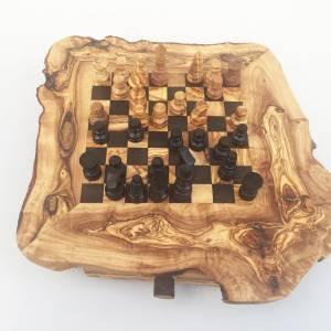 Schachspiel rustikal, Schachtisch Gr. M inkl. Schachfiguren, handgefertigt aus Olivenholz, Geschenk. Bild 7
