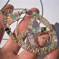 Großer Anhänger Unikat handgemacht am Reif mit Fluorit, Koralle, Aquamarin pastell mint lila in wirework boho Bild 3