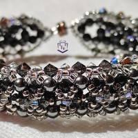 Armband in schwarz und silber handgefertigt mit Austrian Crystal Elements und Miyuki Perlen, Handarbeit. Einzelstück Bild 1