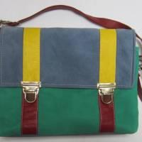 """""""Schultasche"""" aus samtigem  Nubukleder in grün und blau, Ledertasche, Umhängetasche aus Lammnubuk Bild 1"""