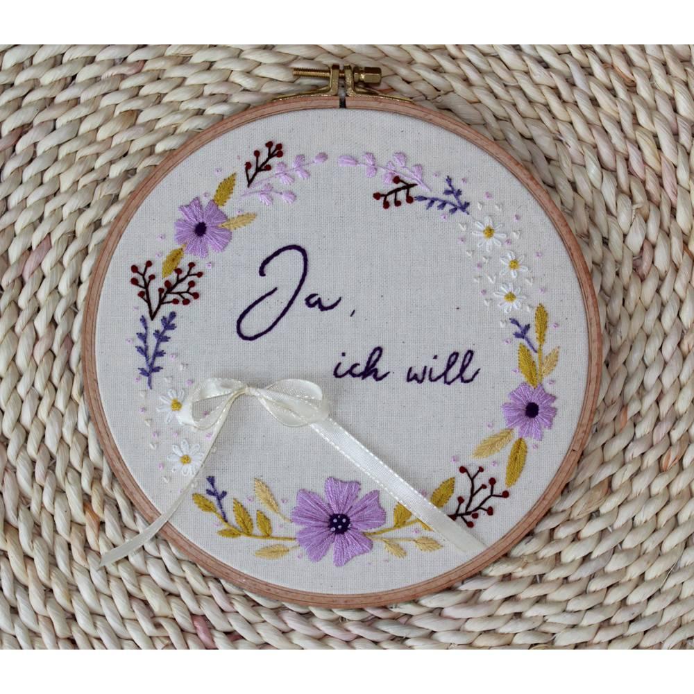 Ringkissen Hochzeit Stickring Blumenkranz Durchmesser 20cm Bild 1