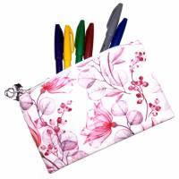 """Täschchen """"Rote Blüten"""" aus Baumwolle mit Reißverschluss - Maskentasche Etui Kosmetiktasche Kulturtasche Bild 3"""