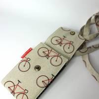 sommerliche Umhängetasche cremefarben mit Fahrrädern und Lederimitat Bild 4