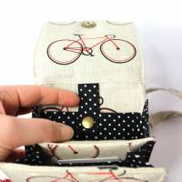 sommerliche Umhängetasche cremefarben mit Fahrrädern und Lederimitat Bild 6