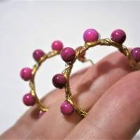 Creolen pink 35 Millimeter groß mit fuchsia Perlmutt schimmernd handgemacht in wirework goldfarben boho chic Bild 3
