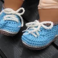 Babyschühchen Schnürschühchen gehäkelt für Neugeborene aus weicher Wolle (Merinowolle) Bild 5
